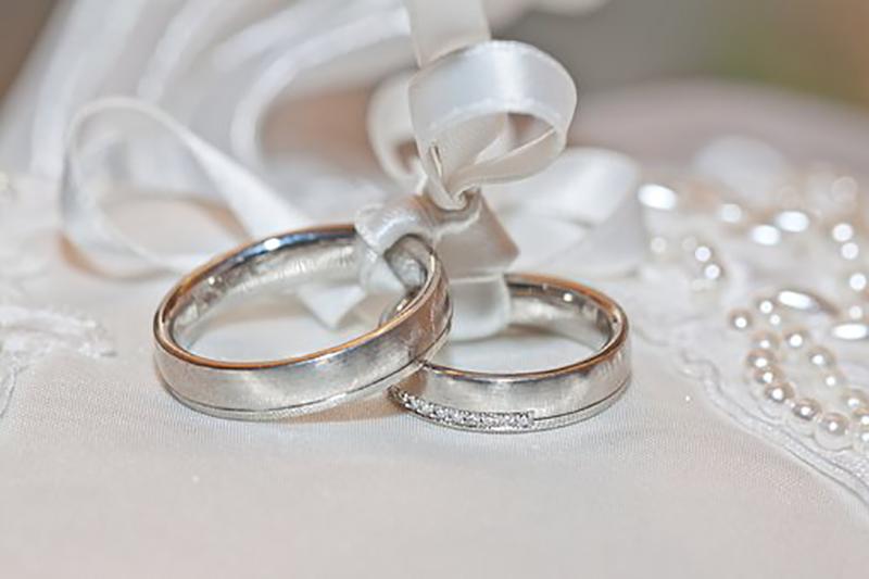 結婚指輪の刻印に使うフォントはどれがいい?手書き風・筆記体など個性を表現